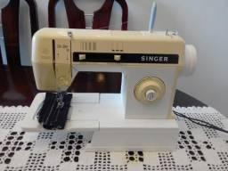 Maquina de Costura Singer, Zig Zag 14 em ótimo estado, muito conservada