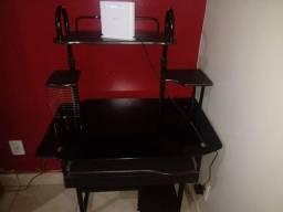 Vendo mesa de computador e cadeira
