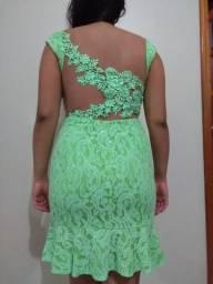 Vestido verde de renda