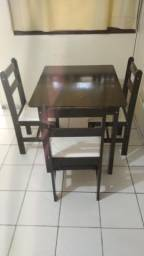 Mesa e 3 cadeiras Entrego