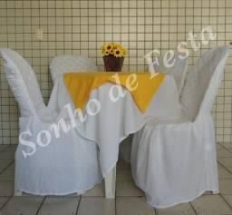 Aluguel de materiais para eventos: mesas, cadeiras, toalhas, capas.