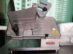 Máquina de fatiar semi automática