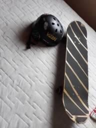 Skate+capacete,vendo ou troco preço negociável.