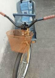 Bicicleta South  semi nova com cadeirinha infantil
