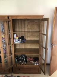 Vendo armário de madeira de demolição