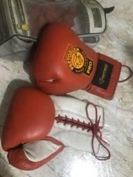Luva para Boxe / Muay Thais / Kickboxing Pretorian 18 oz