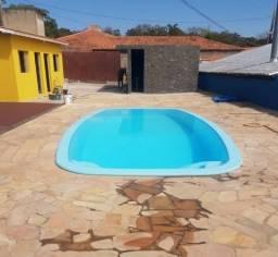 Espaço com piscina e churrasqueira em Jundiai
