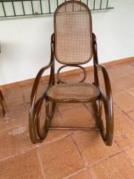 Cadeira de balanço estilo Thonart USADA