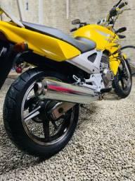 Vendo Twister amarela 2007