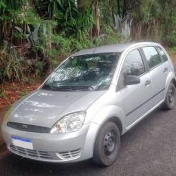 Título do anúncio: Carro Ford Fiesta 2004 1.0 4P