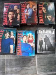 Boxs Smallville 30 reais cada.
