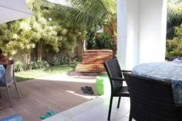 CHEN | Casa mobiliada em Muro Alto, possuindo 5 Suites, Proxima da praia|