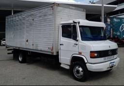 Título do anúncio: Vendo um caminhão 710 Plus.