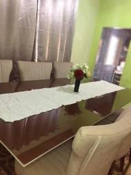 Mesa planejada com seis cadeiras