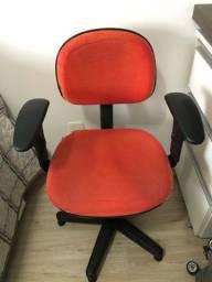 Título do anúncio: Cadeira escritório giratória fixa