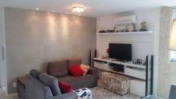 MR - Amplo apartamento de 2 qtos, fechamento de varanda, elevador em Itapoã