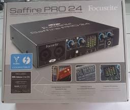 interface de áudio Focusrite Saffire