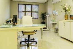 Título do anúncio: Sublocação de duas amplas salas para profissionais da saúde em Av. Nossa Senhora da Penha