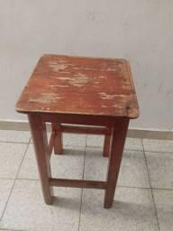 Título do anúncio: Banquinho de madeira $10