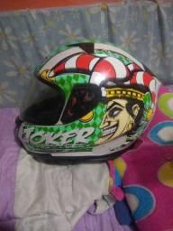Título do anúncio: Capacete MT Helmets Joker