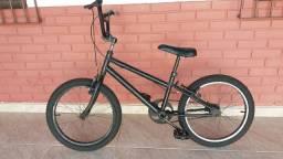 Bicicleta preta   aro 20