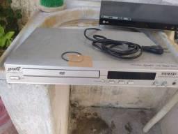 Dois aparelhos de DVDS quebrados para aproveitar as peças 70,00 os dois