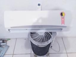 Central de ar funcionando normal. 9 BTUs