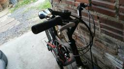 Bicicleta caloi aro 24 em bom estado