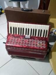Vendo acordeon Todeschini 80 Baixos