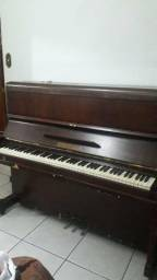 Piano Antigo