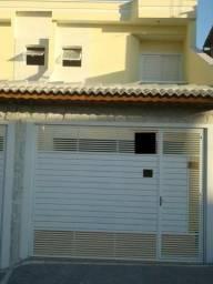 Sobrado Frontal de 110m² proximo ao Colégio Fereguetti 03 dorm 01 suite 02 vagas