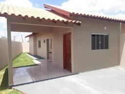 Caiobá, asfalto, varanda e quintal, R$150mil.