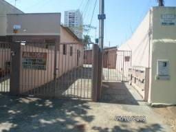 Quitinete na Vila Nova (Rua 221 na rua do Batatinhas Grill)
