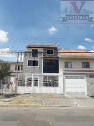 Sobrado triplex no Cidade Industrial - Vitória Regia - em Curitiba; Rua principal do bairr