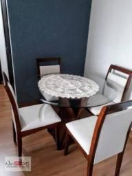 Apartamento com sacada em Itaquera