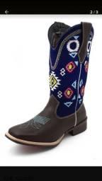Vendo bota texana bico quadrado feminina
