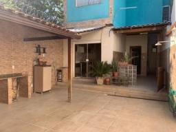 Lindíssima casa em Campinho com 3 quartos e garagem por R$ 400 MIL.