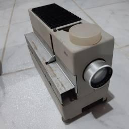 Projetor de slides alemão (BRAUN), para colecionador, década de 1960
