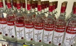 Stolichnaya Vodka Russa importada