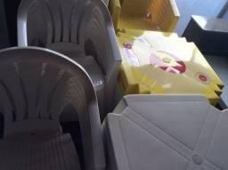 Mesa com 4/cadeiras