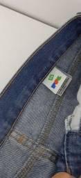 2 calças PUC e Domyos super conservadas veste 12 a 14 anos