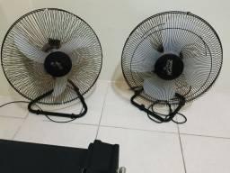 Título do anúncio: Dois ventiladores bivolt 50 cm