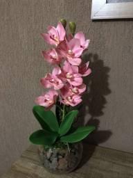 Vasos artificiais de orquídea lindo e elegante
