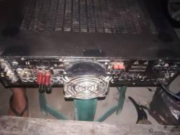 Amplificador mortado de 600 RMS