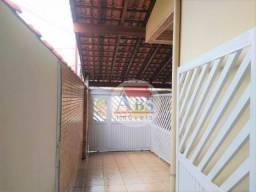 Casa sobreposta térrea com 3 dormitórios à venda, 76 m² por R$ 330.000 - Jardim Casqueiro