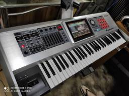 Título do anúncio: Roland fantom G6 muito conservado