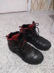 Ótimas botas em couro !!!