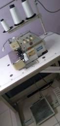 Título do anúncio: Máquina de costura OVERLOOK, com arremate.