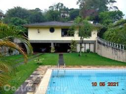 Título do anúncio: Quitandinha: Vendo Bela Casa com Jardim e Piscina: Aceita Oferta e permuta