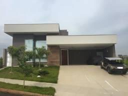 Título do anúncio: Casa de condomínio para venda possui 240 metros quadrados com 3 quartos